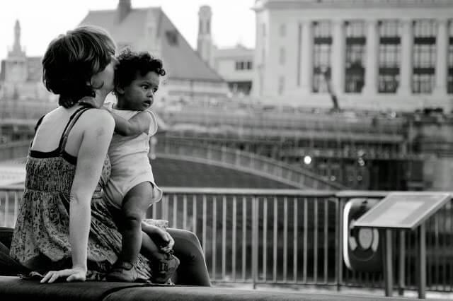 , Despre angoasa de separare și pragurile de dezvoltare cognitivă în a doua jumătate a primului an de viață