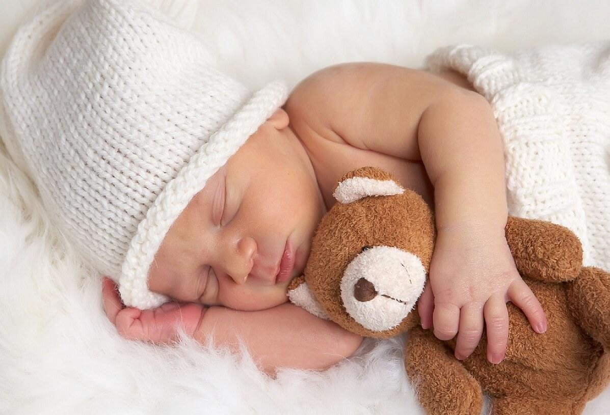 """Bieții noștri copii cu """"probleme"""" de somn"""