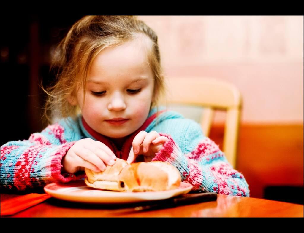 Copiii, fast foodul si obezitatea