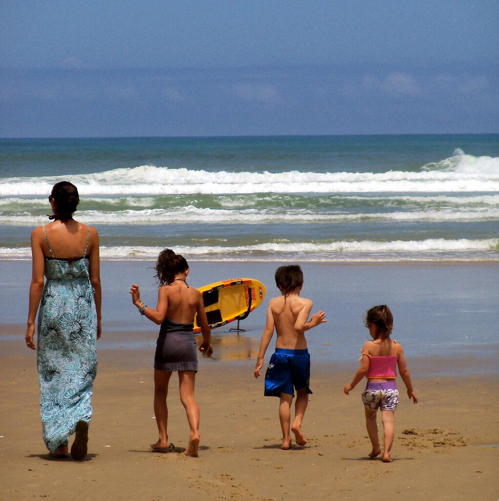 În vacanță cu copiii. Cum ne pregătim? Cum facem față?