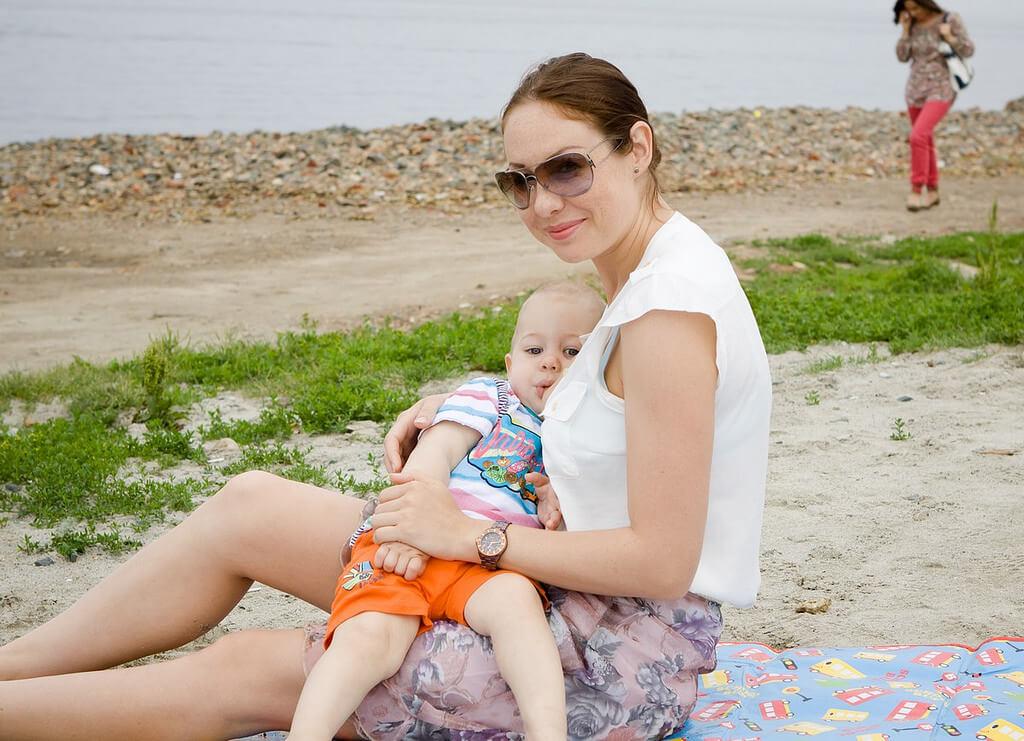 Când toți membrii familiei se îmbolnăvesc dar bebe e singurul sănătos. Cât de supraestimate sunt beneficiile alăptării?