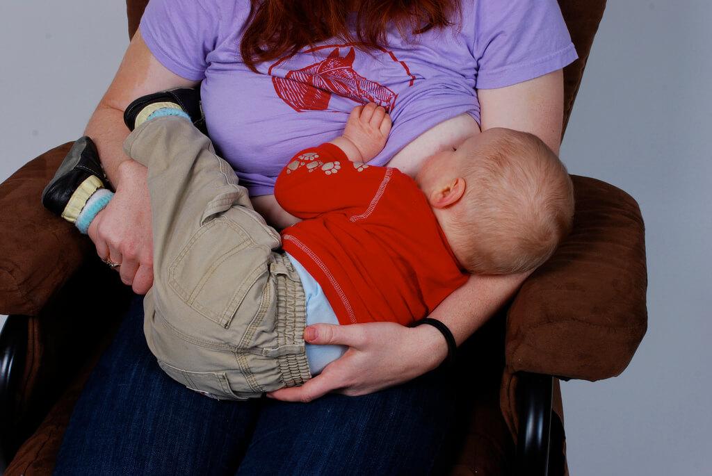 Povești de alăptare – Alăptarea dupa operația de abces mamar