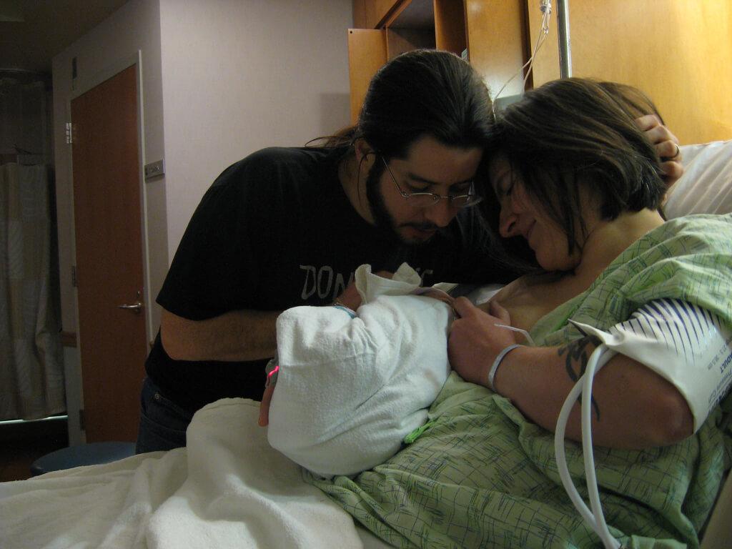 Cum ar trebui sprijinită alăptarea încă din maternitate ?