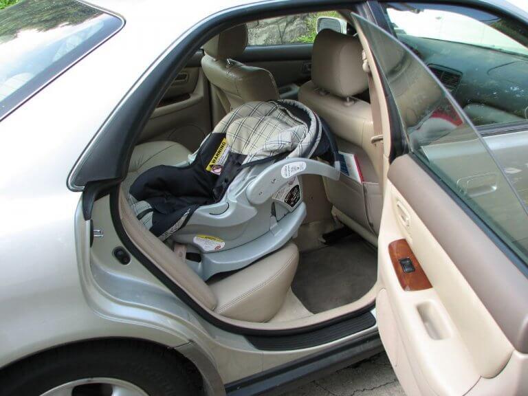 Siguranța copiilor în mașină. Cât de mult ne pasă de ea?